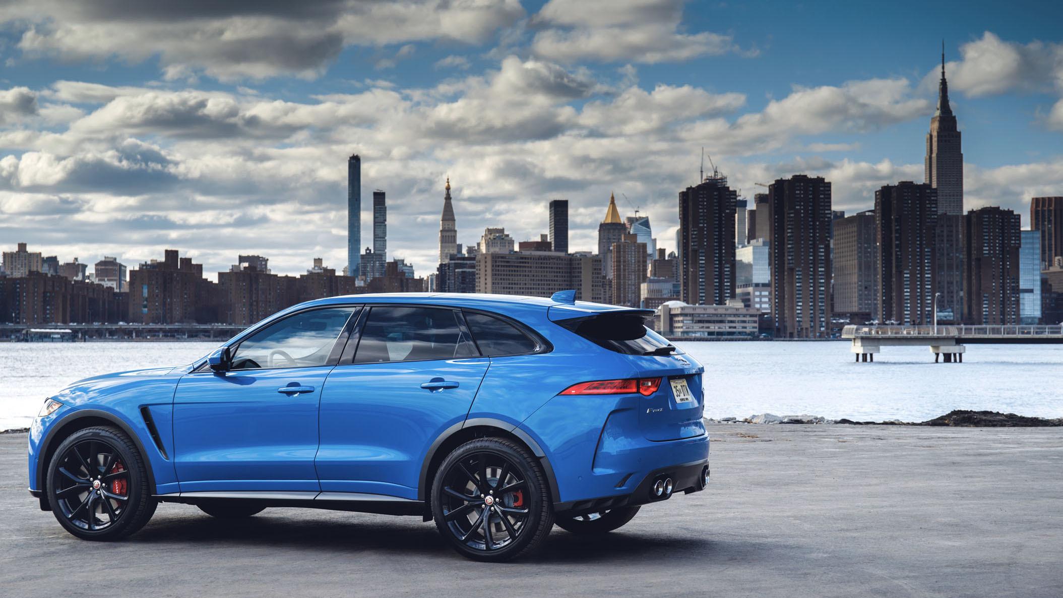 Jaguar F-Pace SVR 2018 (42)