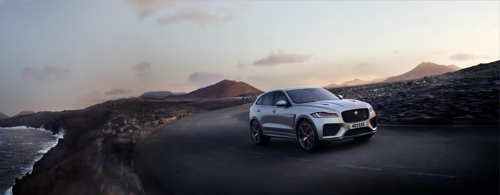 Jaguar F-Pace SVR 2018 (9)