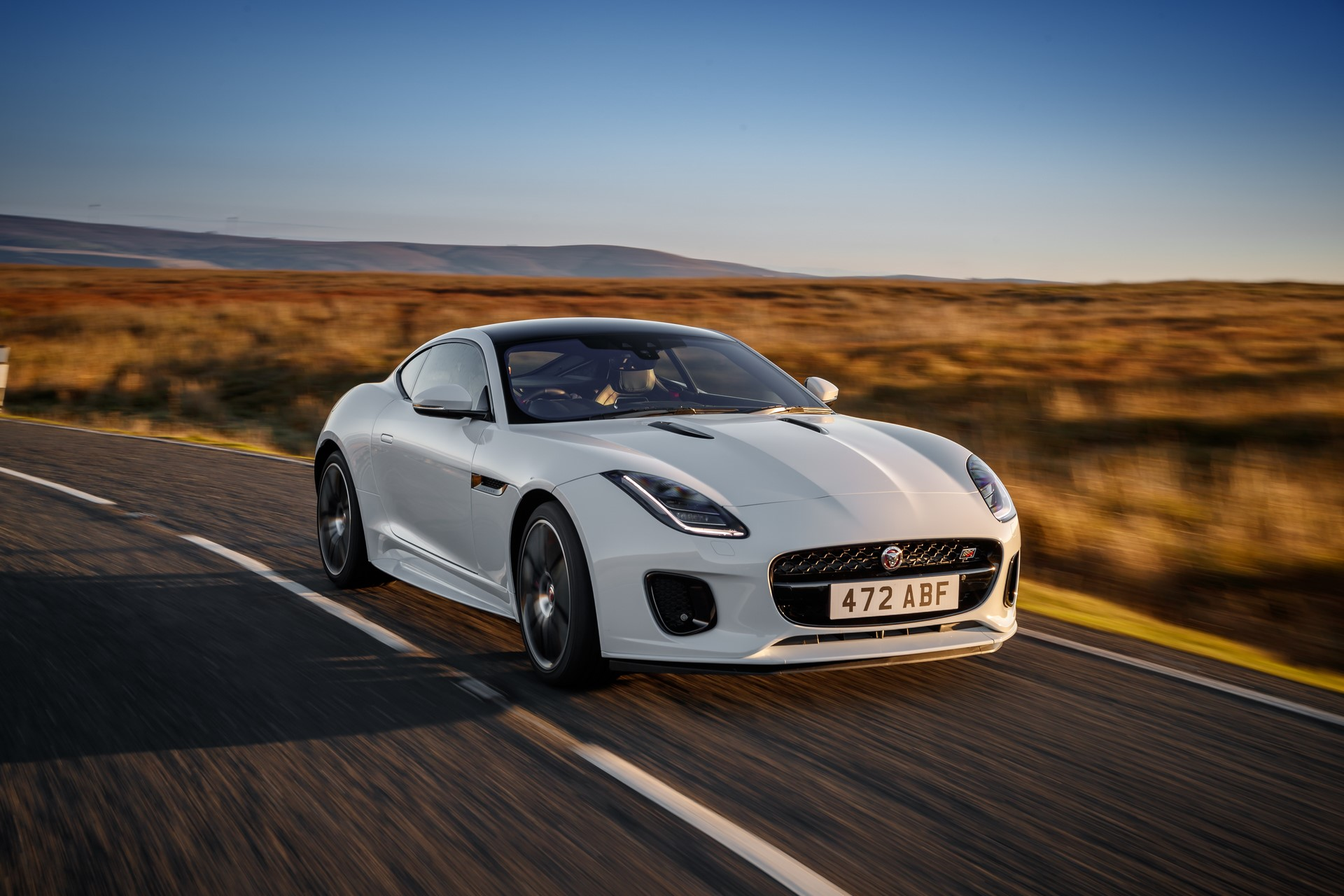Jaguar F-Type Checkered Flag Limited Edition (3)