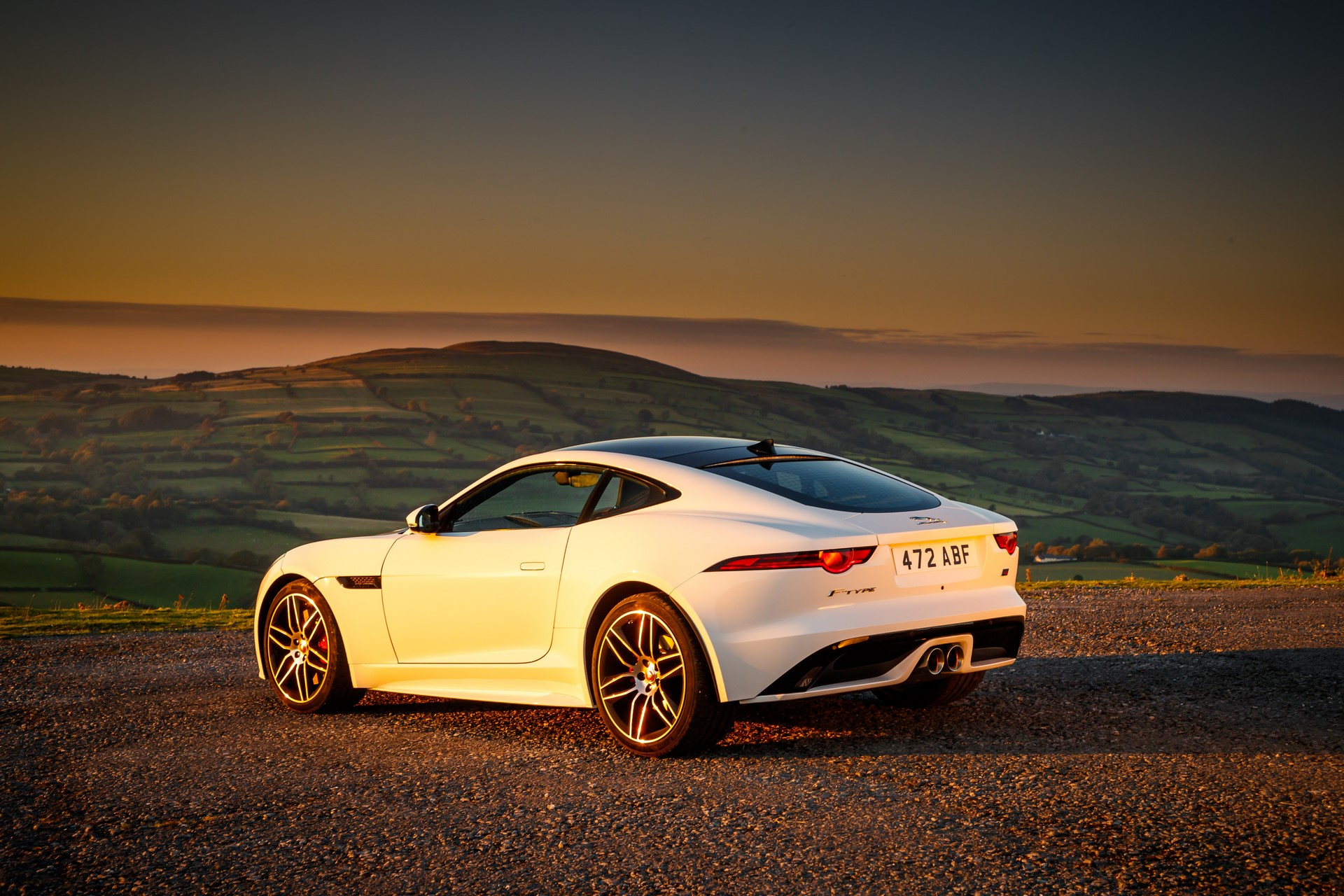 Jaguar F-Type Checkered Flag Limited Edition (8)