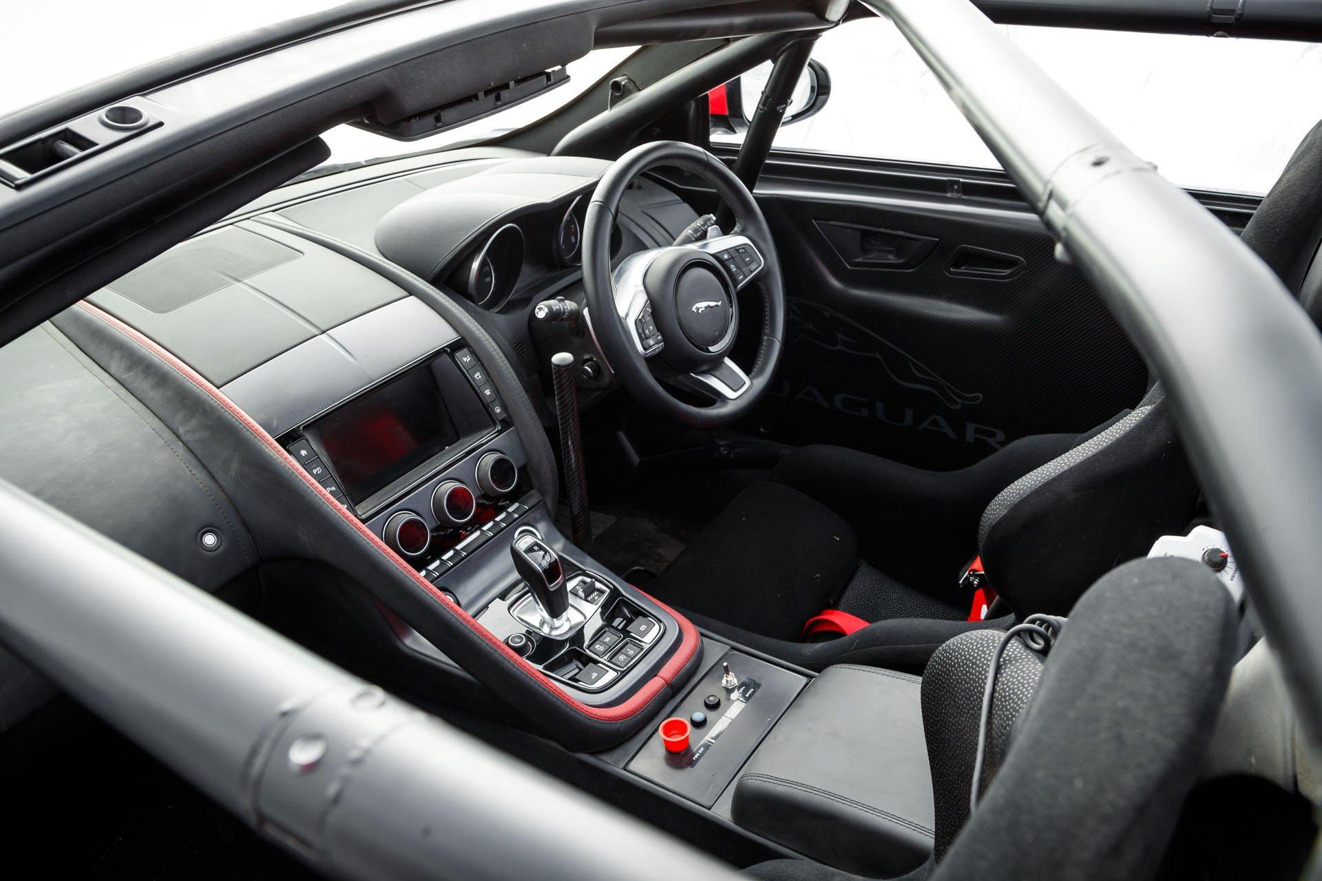 Jaguar F-Type Convertible Rally (16)