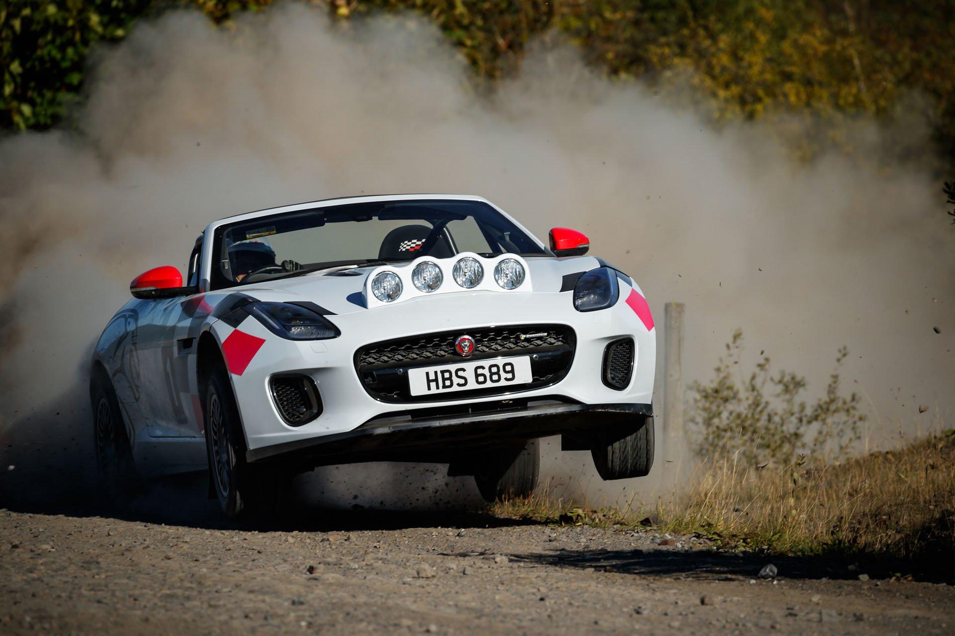 Jaguar F-Type Convertible Rally (3)
