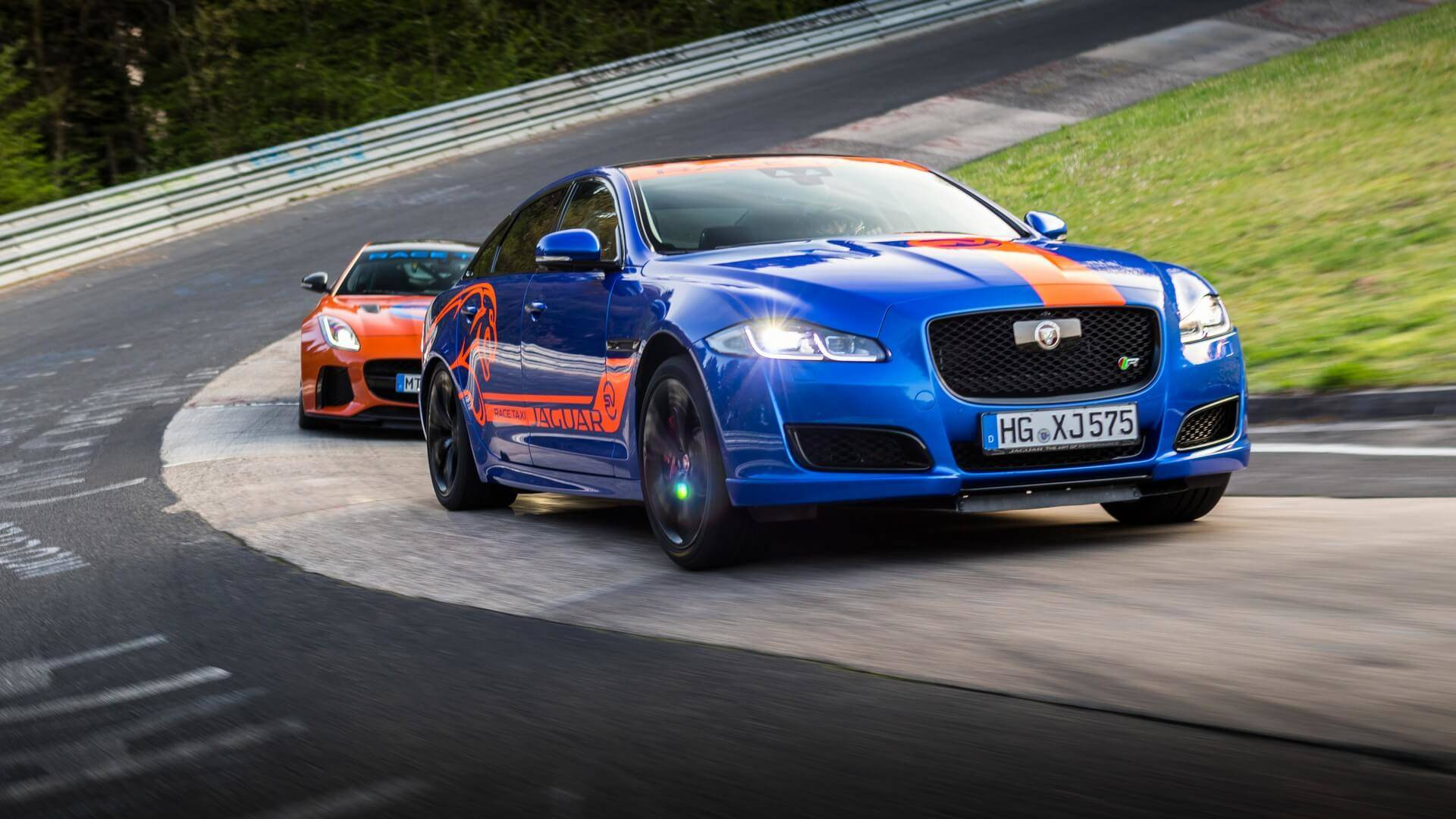 Jaguar_Nurburgring_taxi_0004