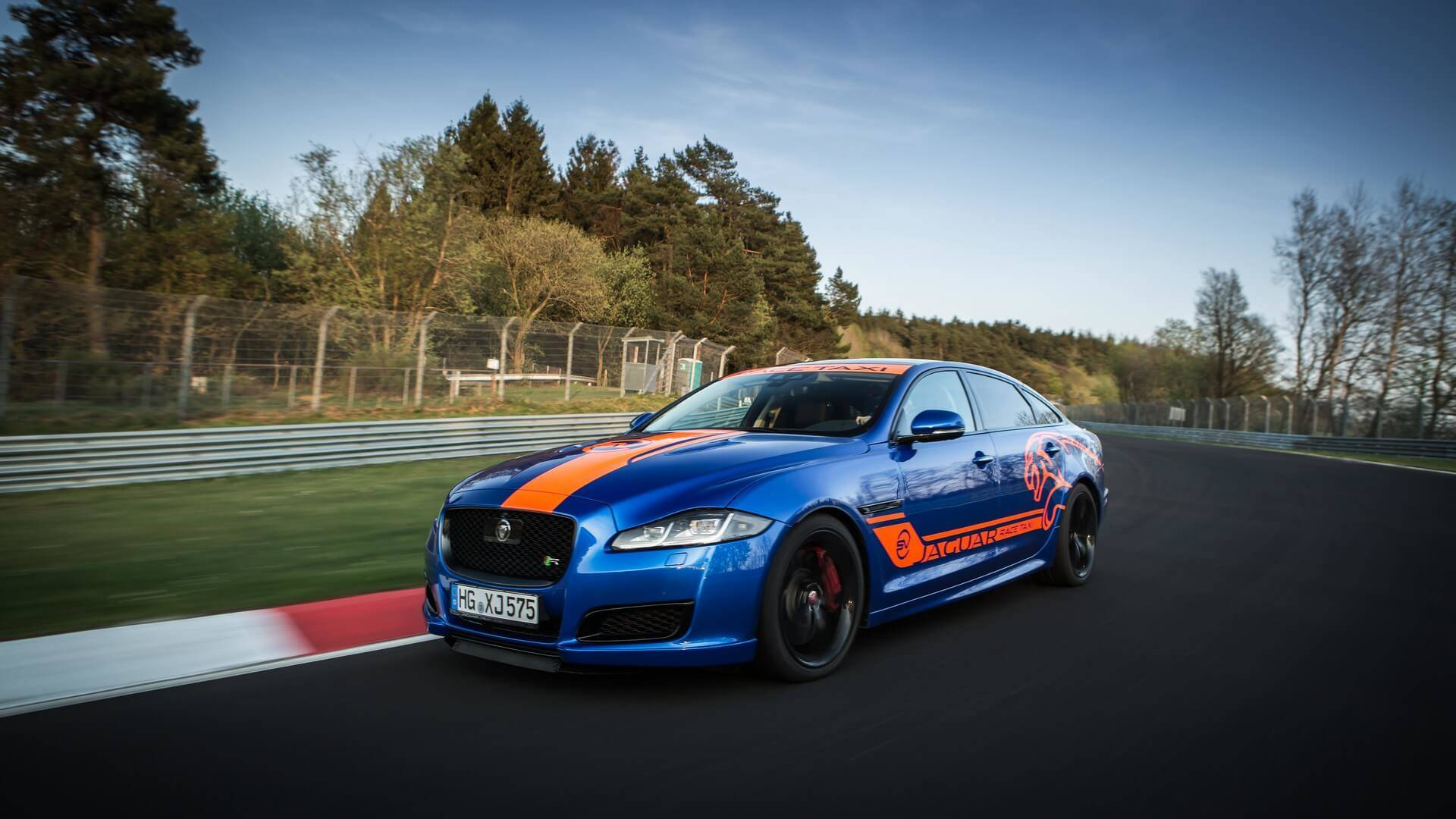 Jaguar_Nurburgring_taxi_0006