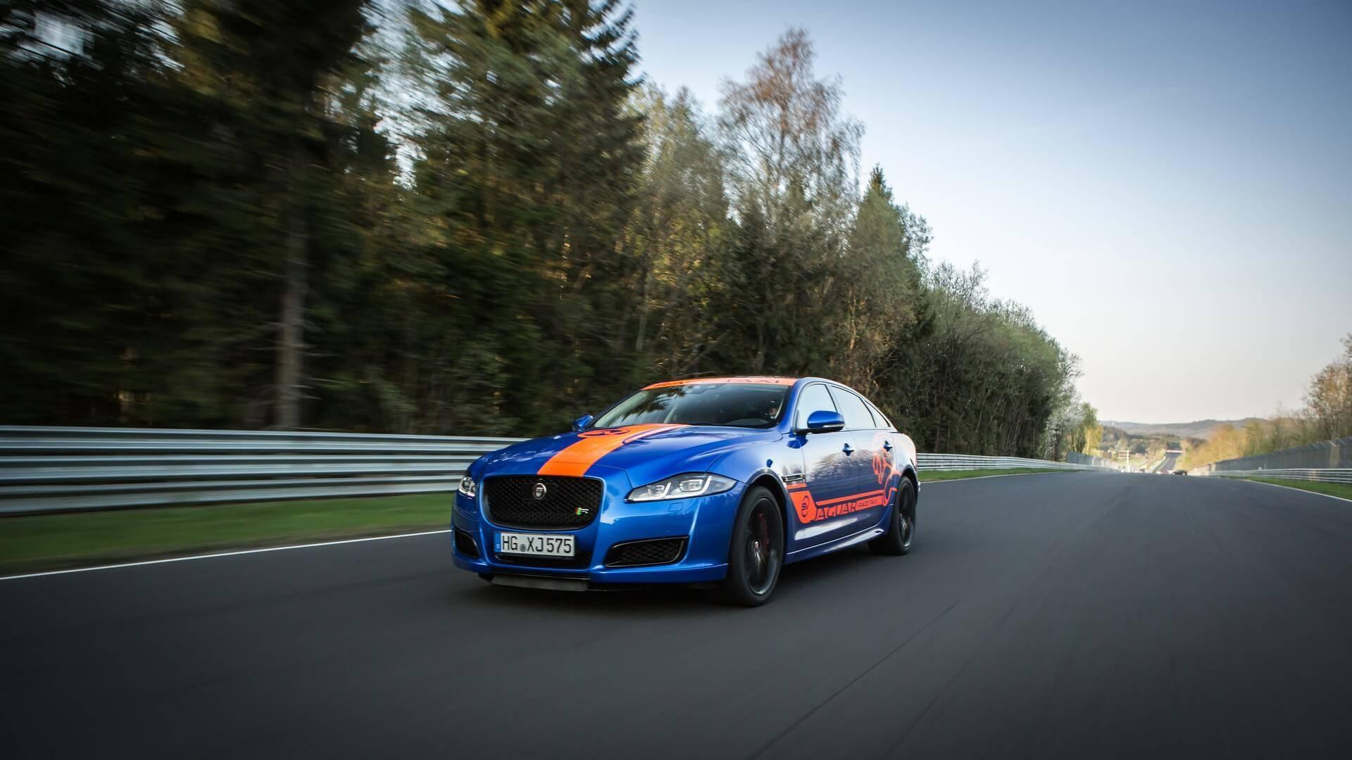 Jaguar_Nurburgring_taxi_0007