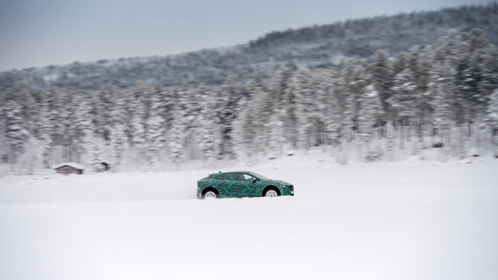 Jaguar-I-Pace-10