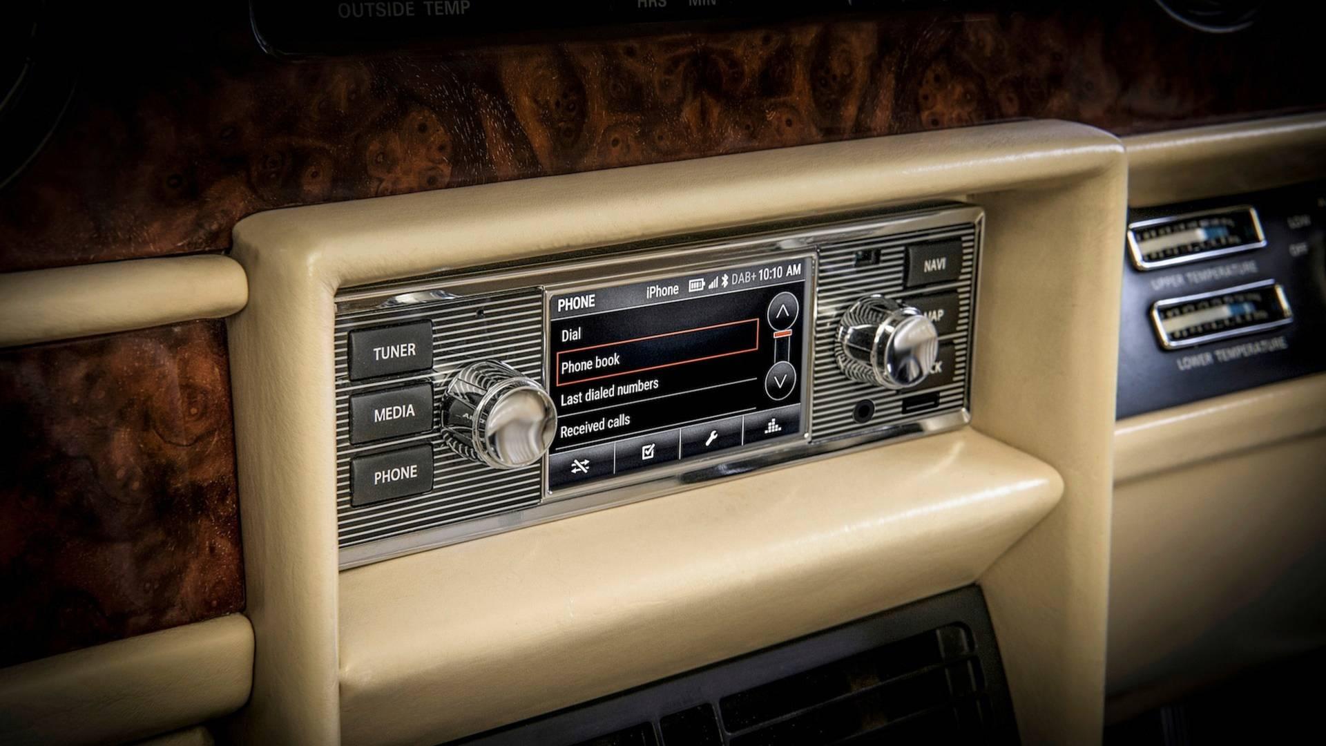 jaguar-land-rover-classic-infotainment-system (2)