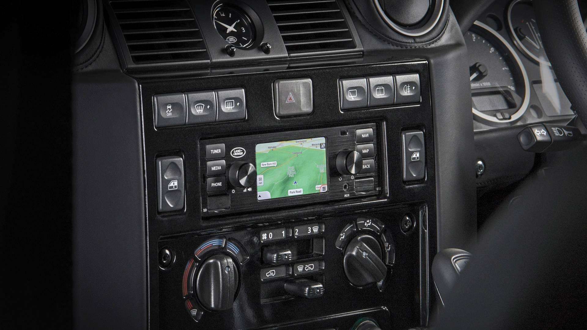 jaguar-land-rover-classic-infotainment-system (3)
