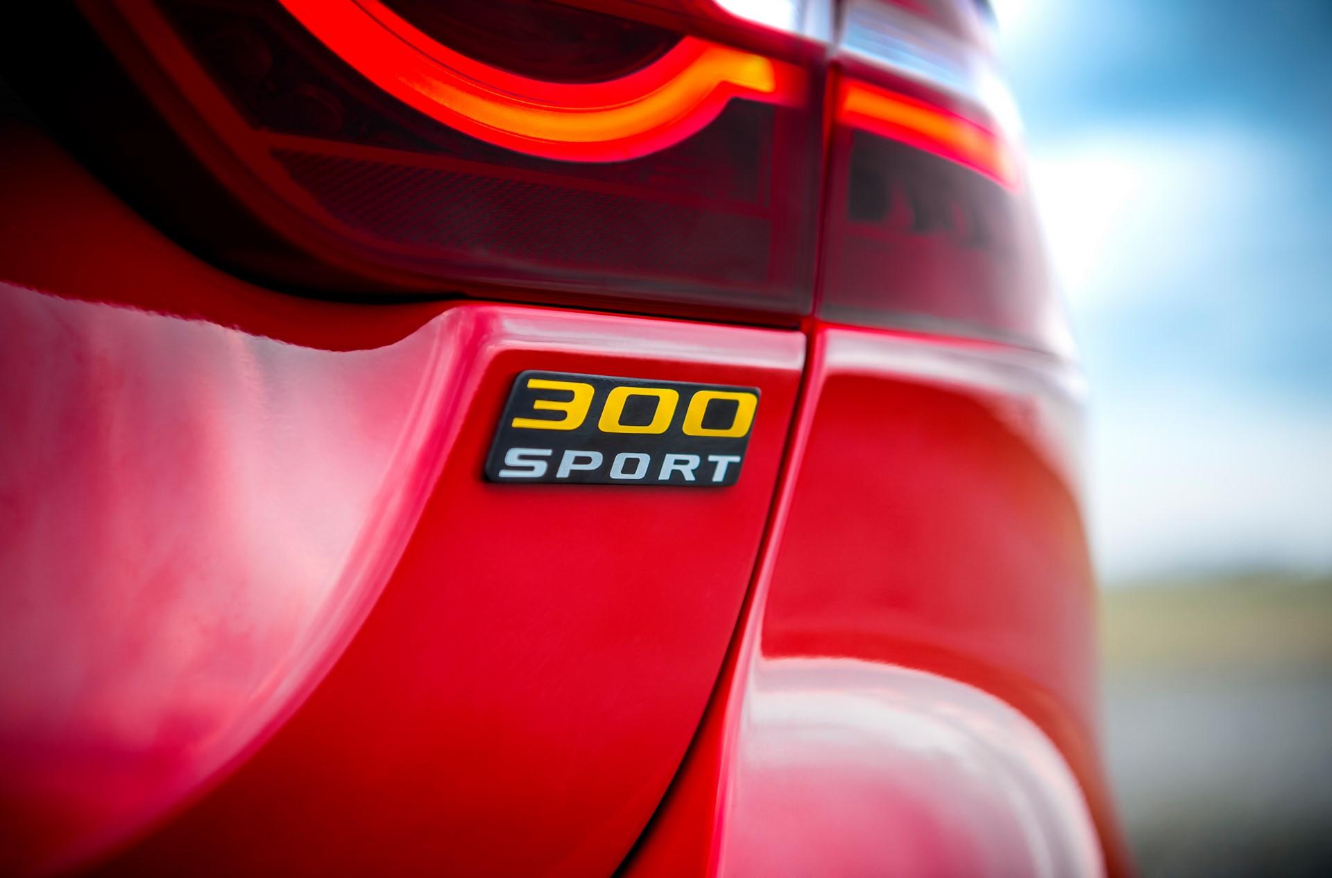 Jaguar XE and XF 300 Sport 2019 (12)