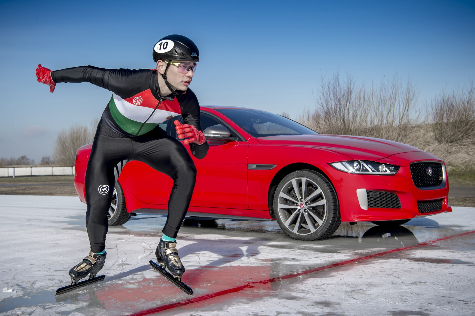 Jaguar XE and XF 300 Sport 2019 (17)