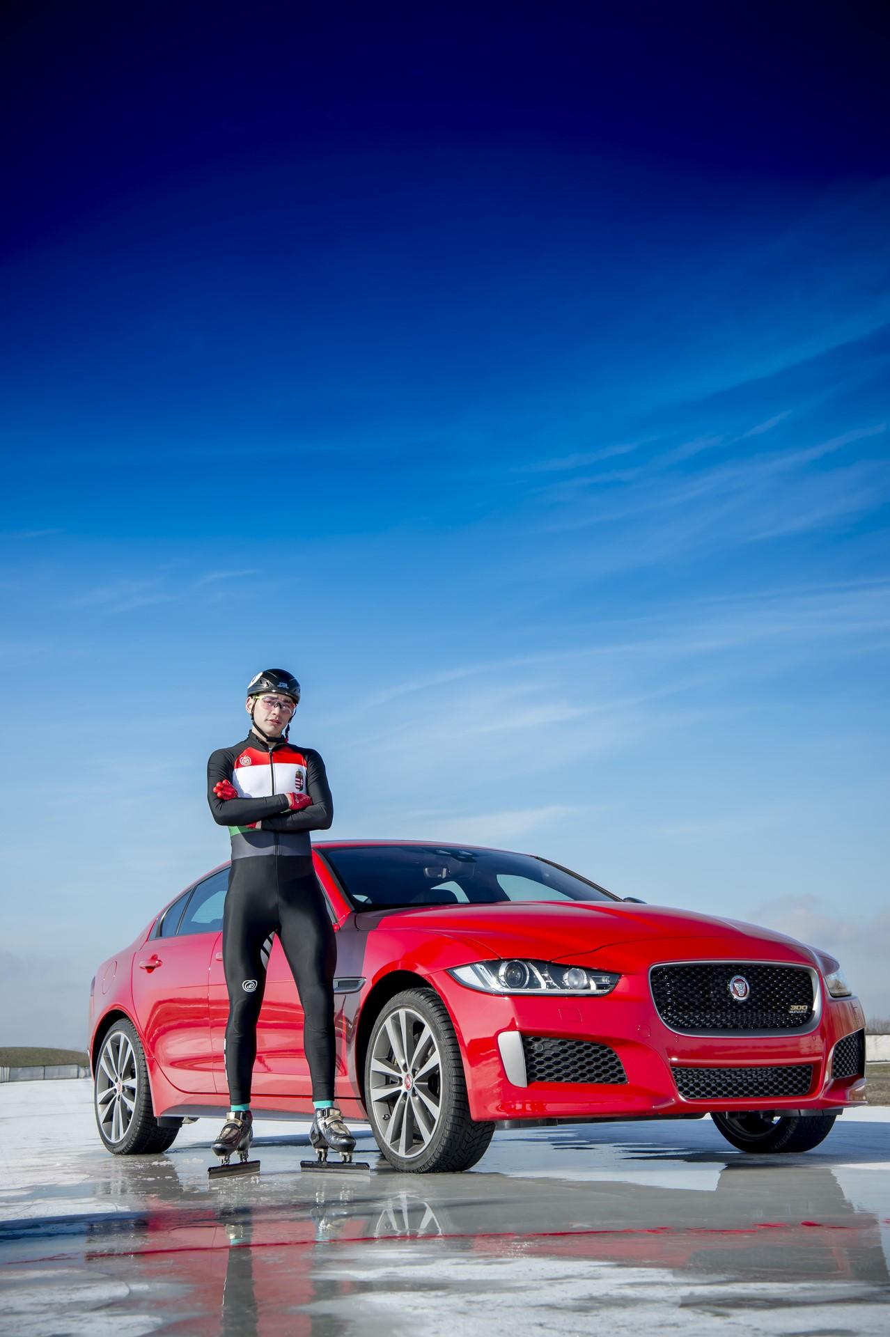 Jaguar XE and XF 300 Sport 2019 (19)