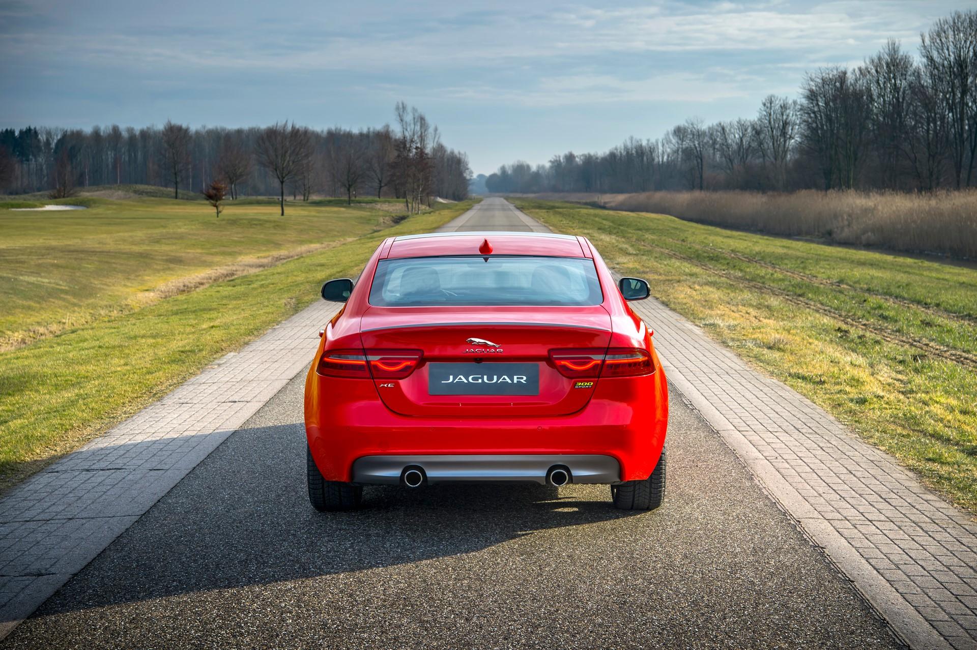 Jaguar XE and XF 300 Sport 2019 (2)