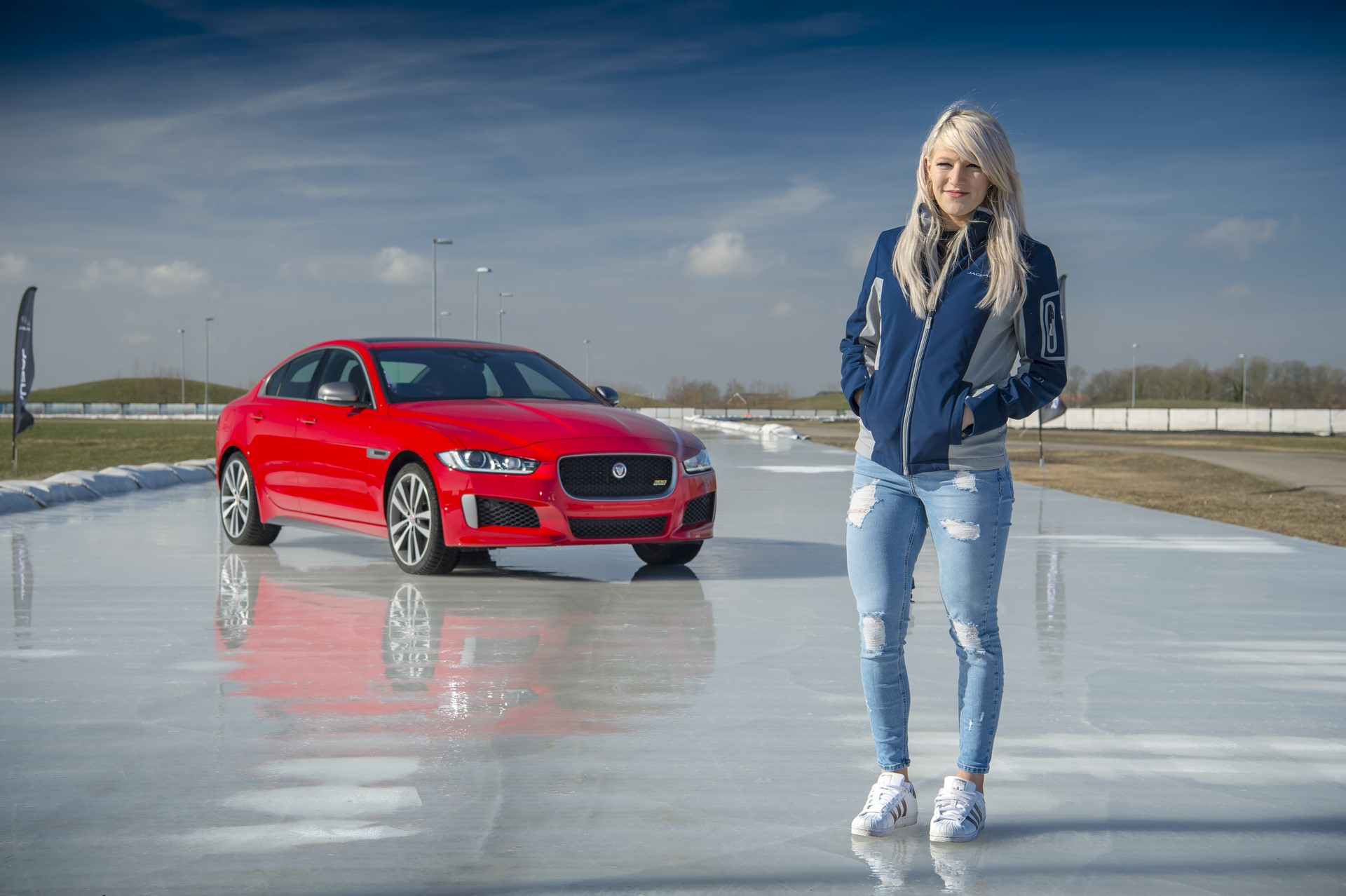 Jaguar XE and XF 300 Sport 2019 (21)