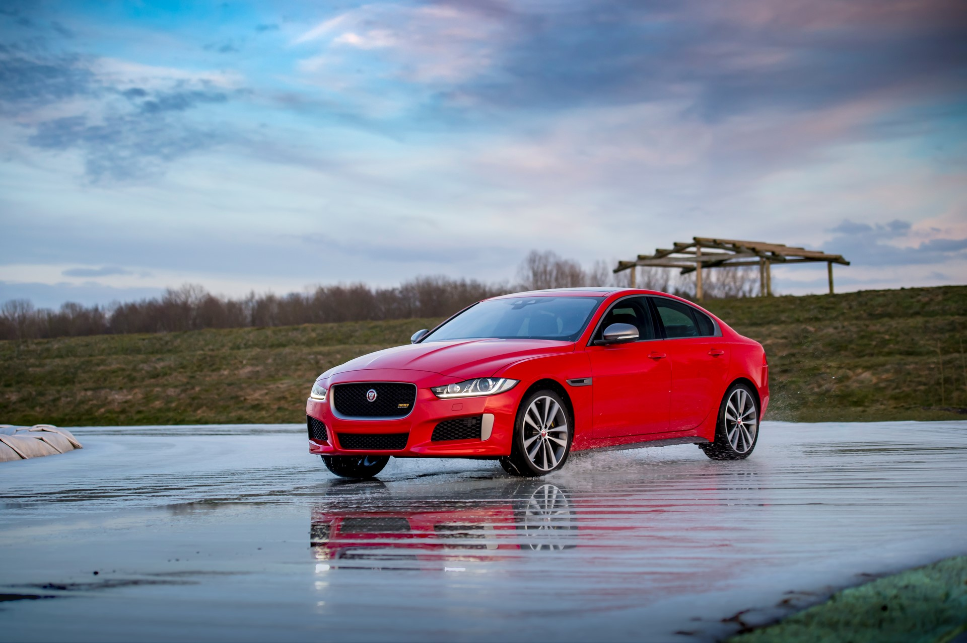 Jaguar XE and XF 300 Sport 2019 (28)