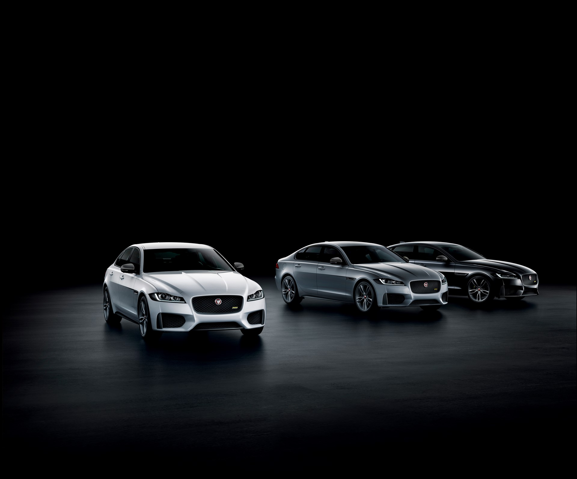 Jaguar XE and XF 300 Sport 2019 (34)