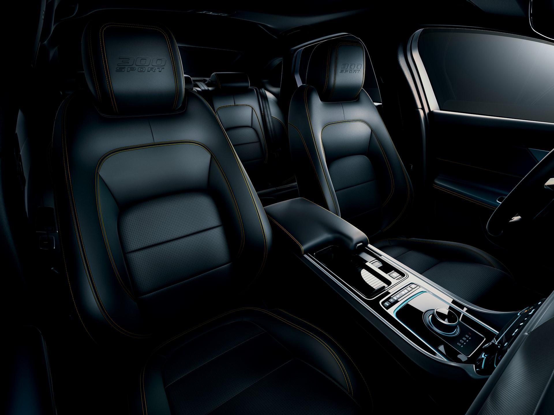 Jaguar XE and XF 300 Sport 2019 (35)