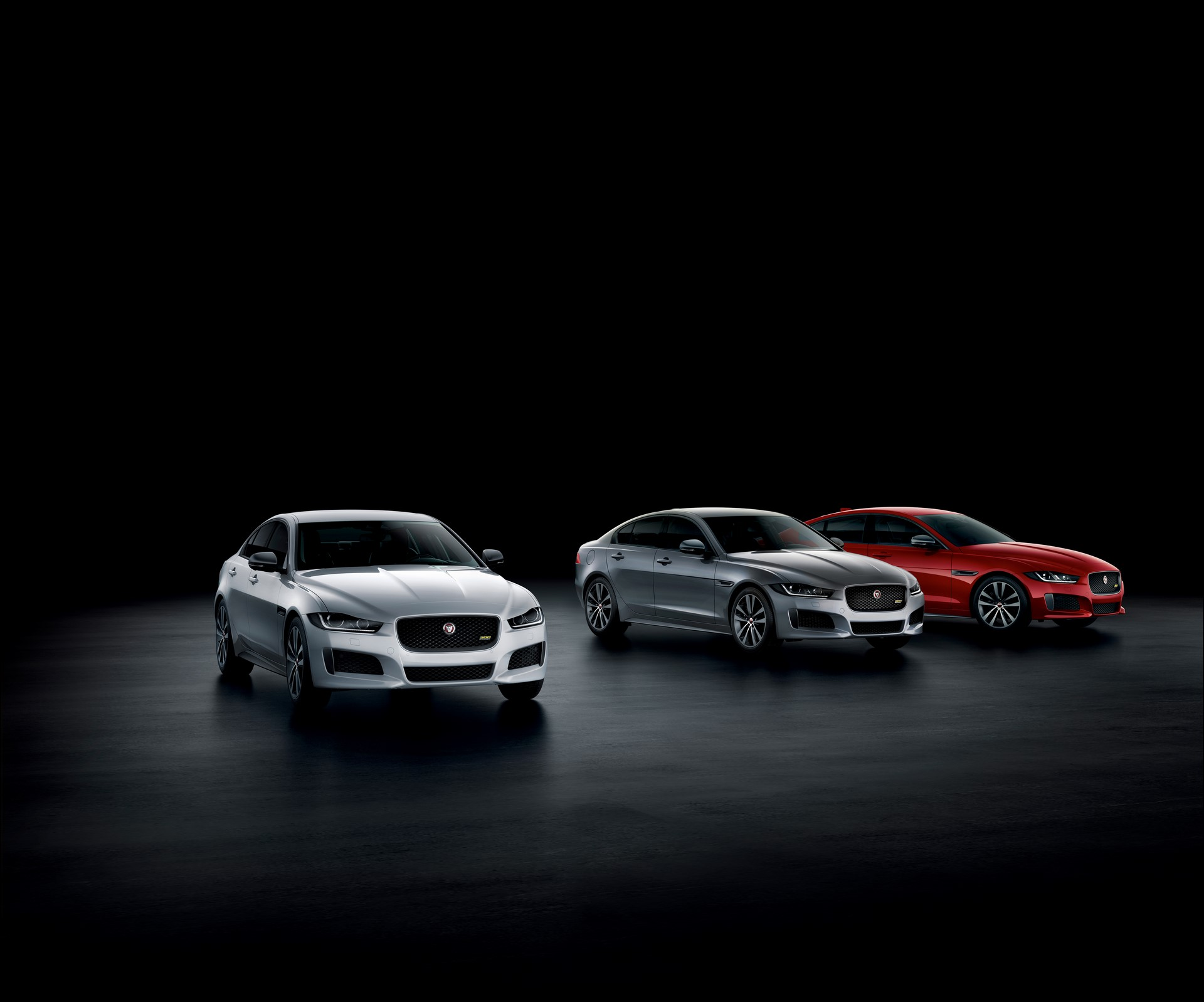 Jaguar XE and XF 300 Sport 2019 (41)