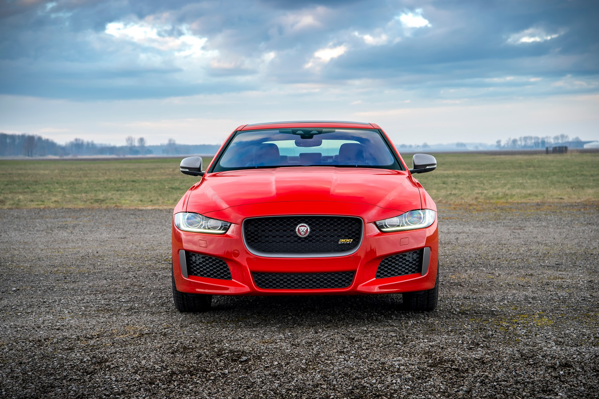 Jaguar XE and XF 300 Sport 2019 (6)
