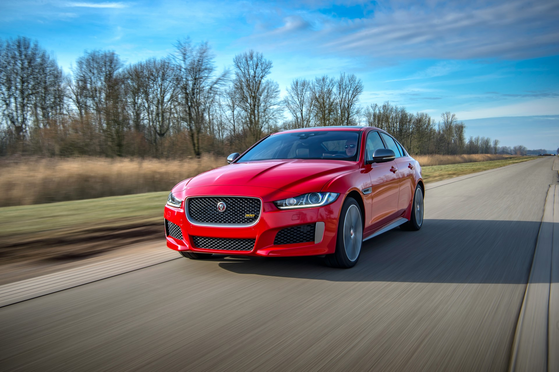 Jaguar XE and XF 300 Sport 2019 (9)