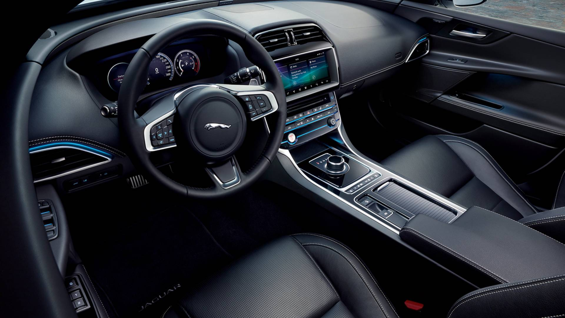 2019-jaguar-xe-landmark-edition (5)