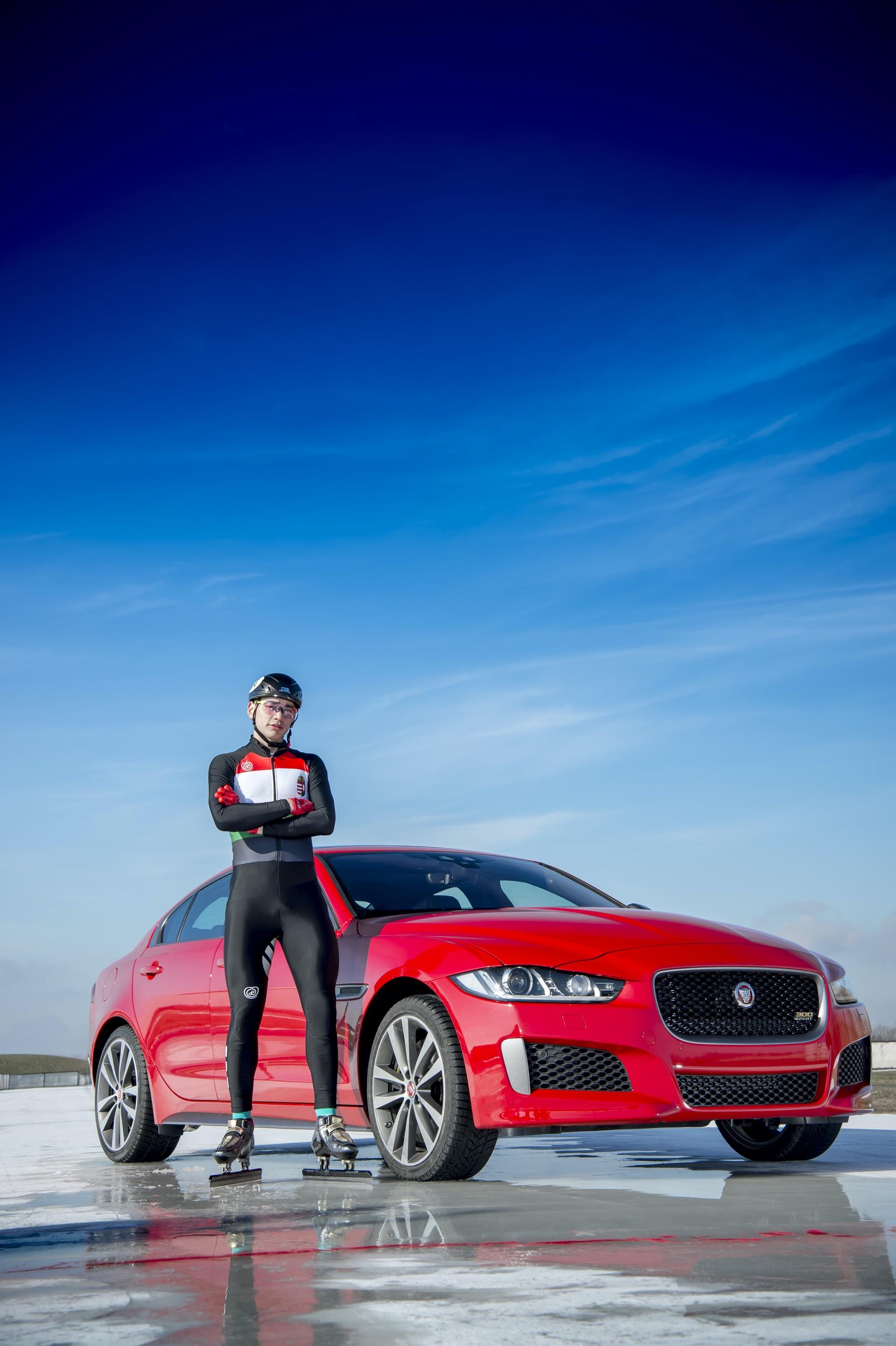 Jaguar_XE_300_Sport_0020