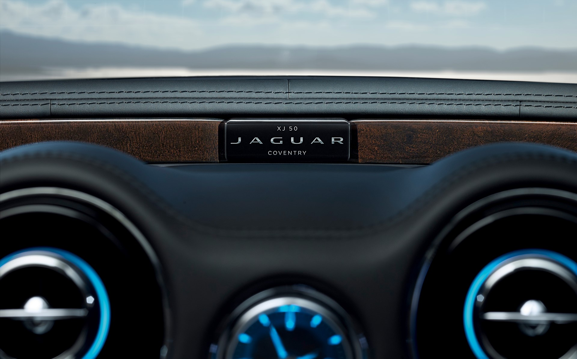 Jaguar XJ50 (10)