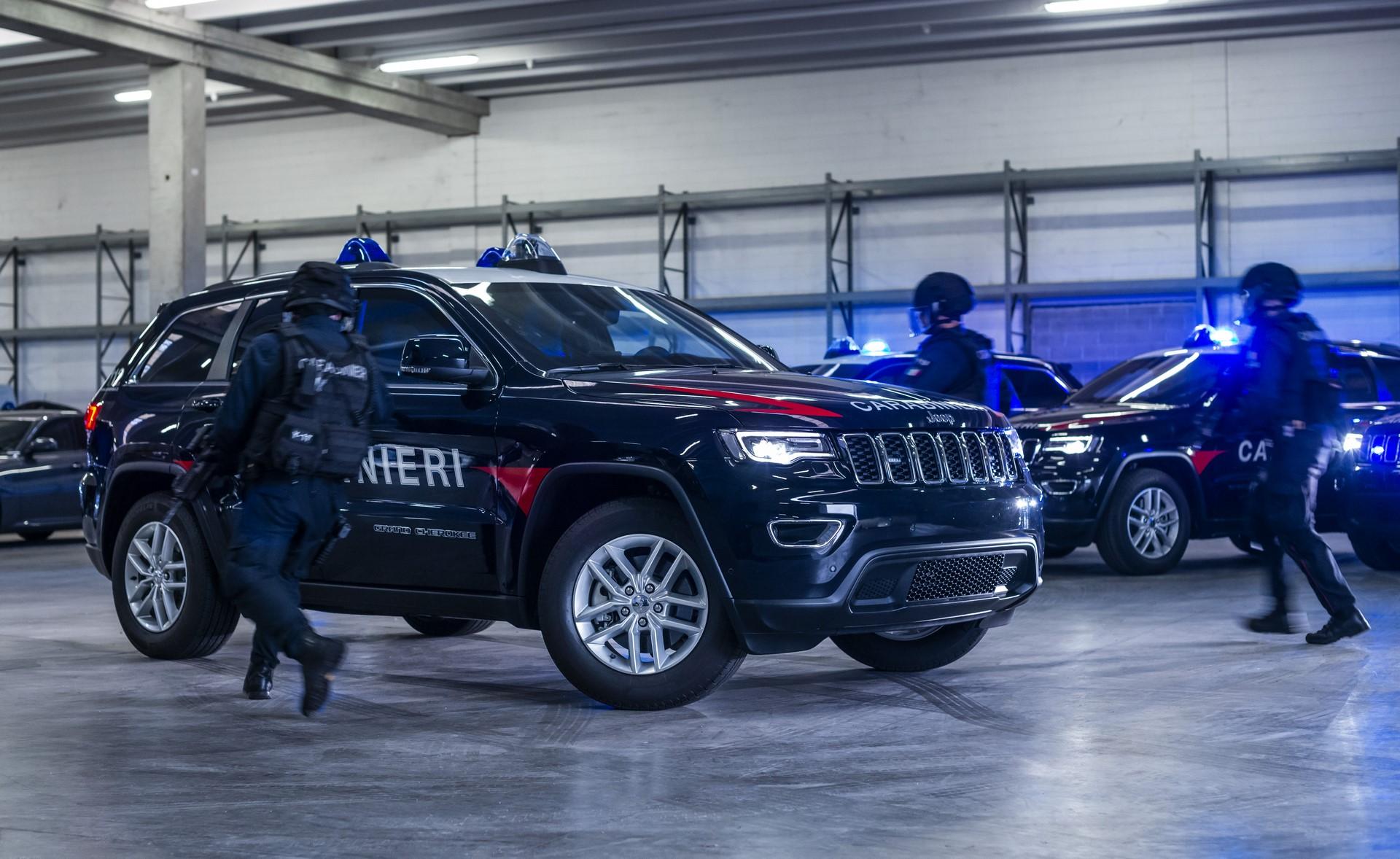 Jeep Grand Cherokee Carabinieri (1)