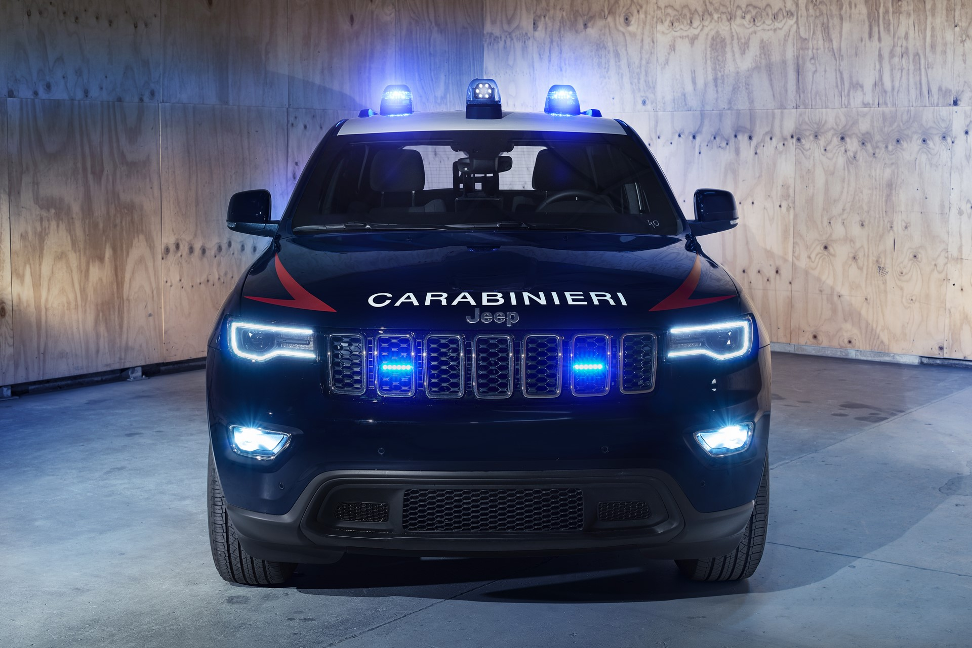 Jeep Grand Cherokee Carabinieri (4)