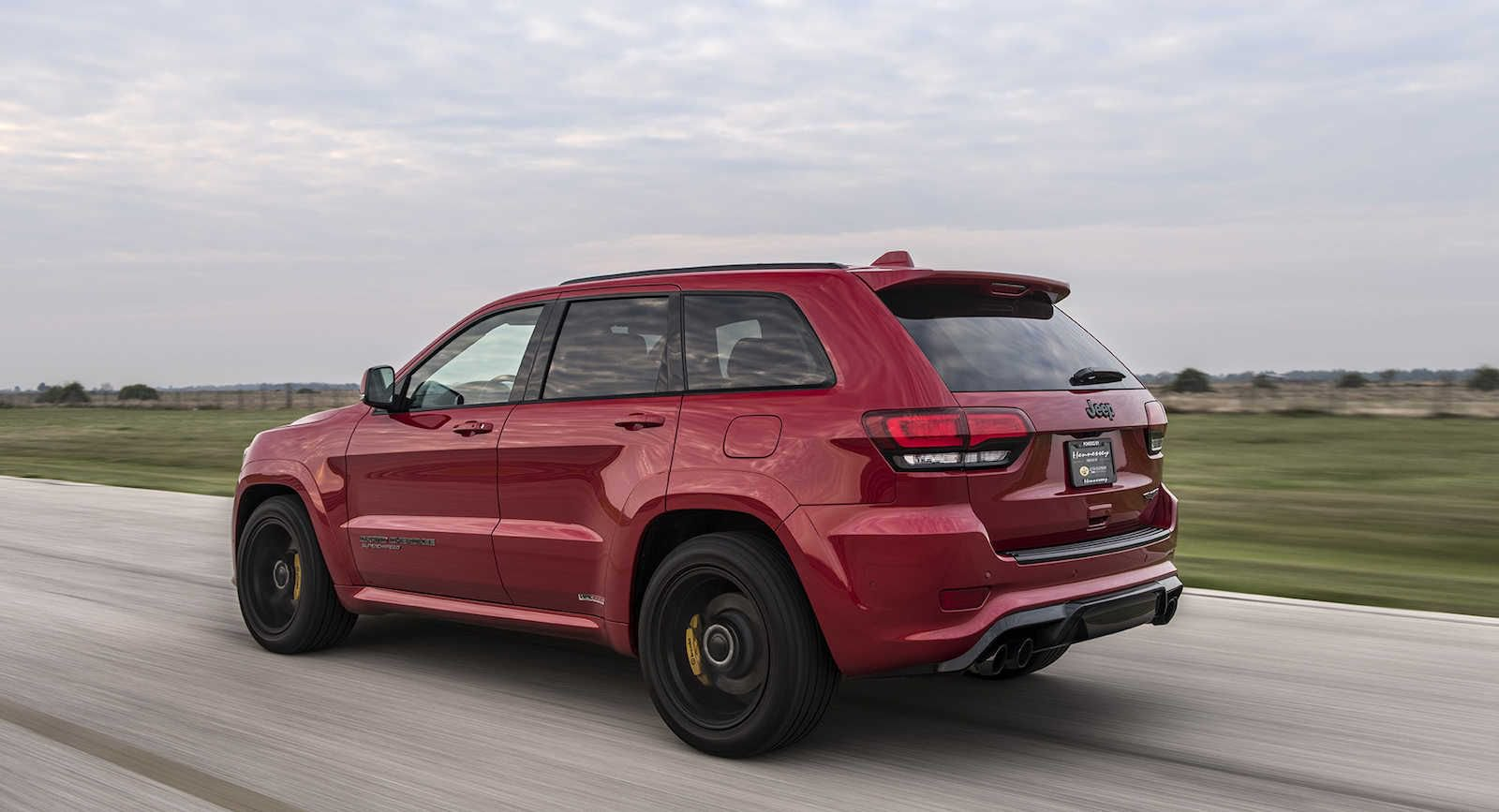 Jeep_Grand_Cherokee+Trackhawk_by_Hennessey_0000