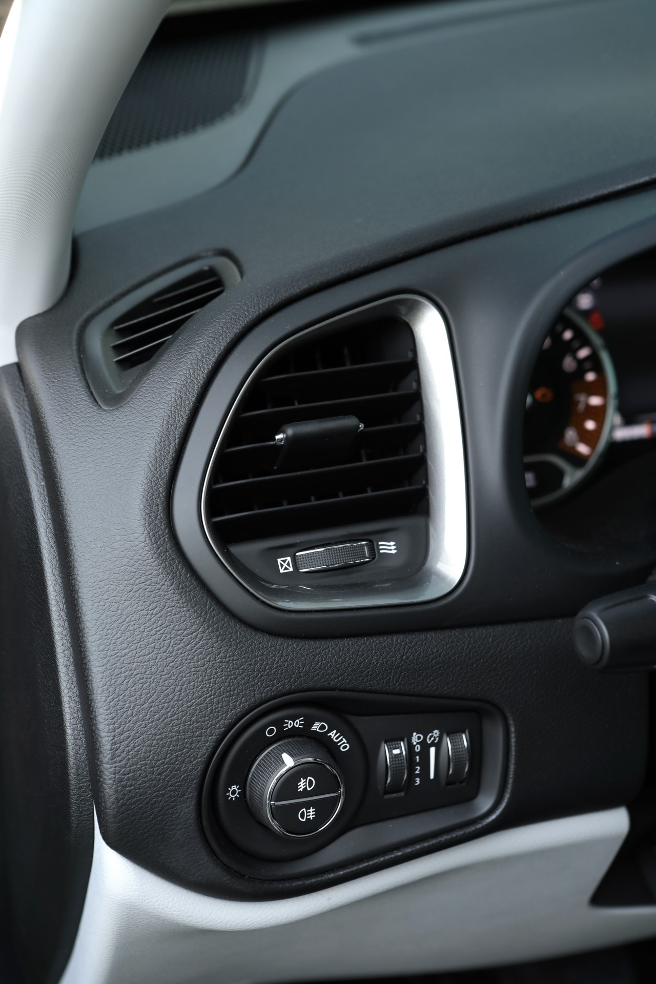 Jeep Renegade facelift 2019 (34)