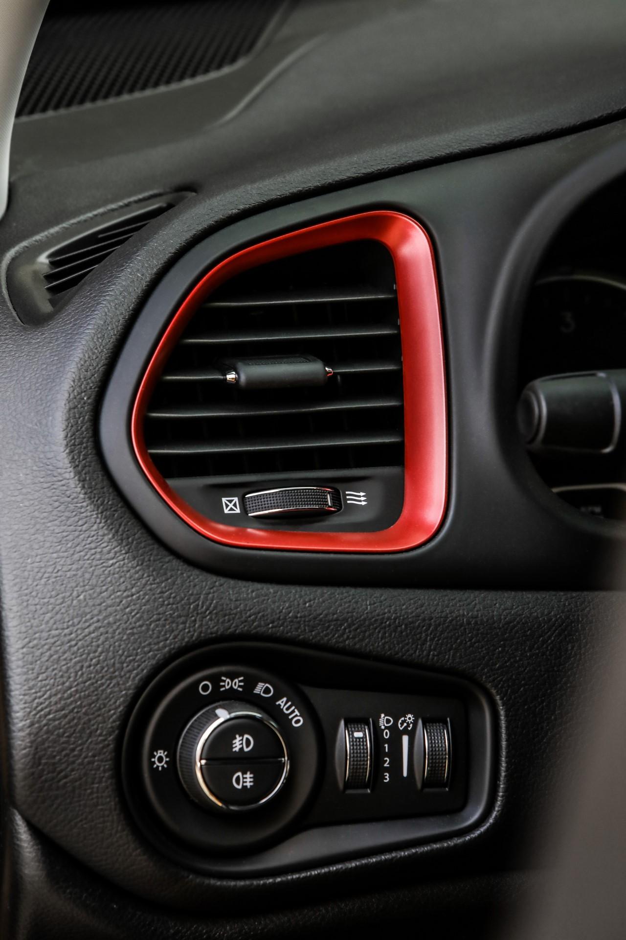 Jeep Renegade facelift 2019 (71)