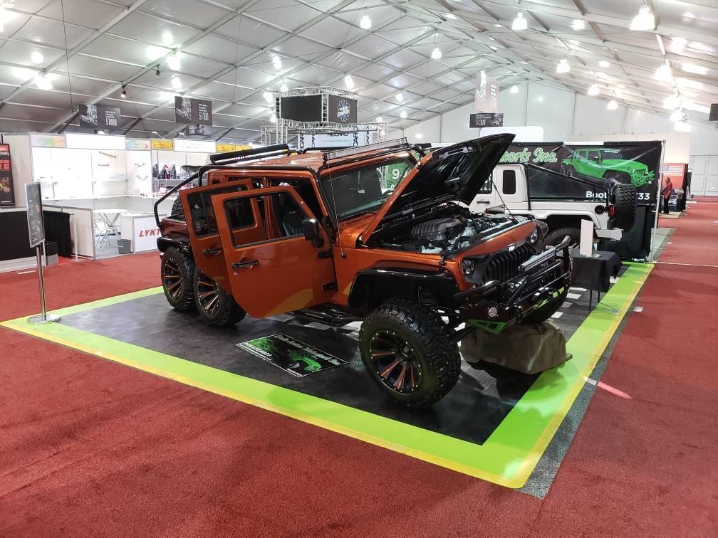 Jeep Wrangler Rubicon 6x6 Hellcat (6)