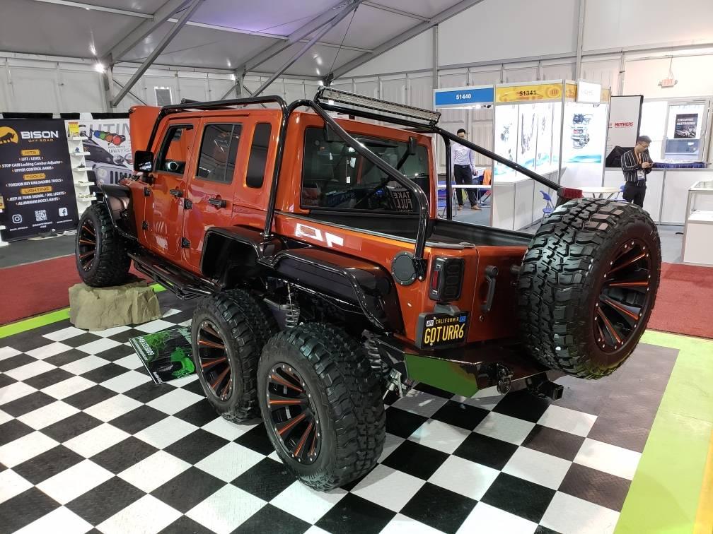 Jeep Wrangler Rubicon 6x6 Hellcat (7)
