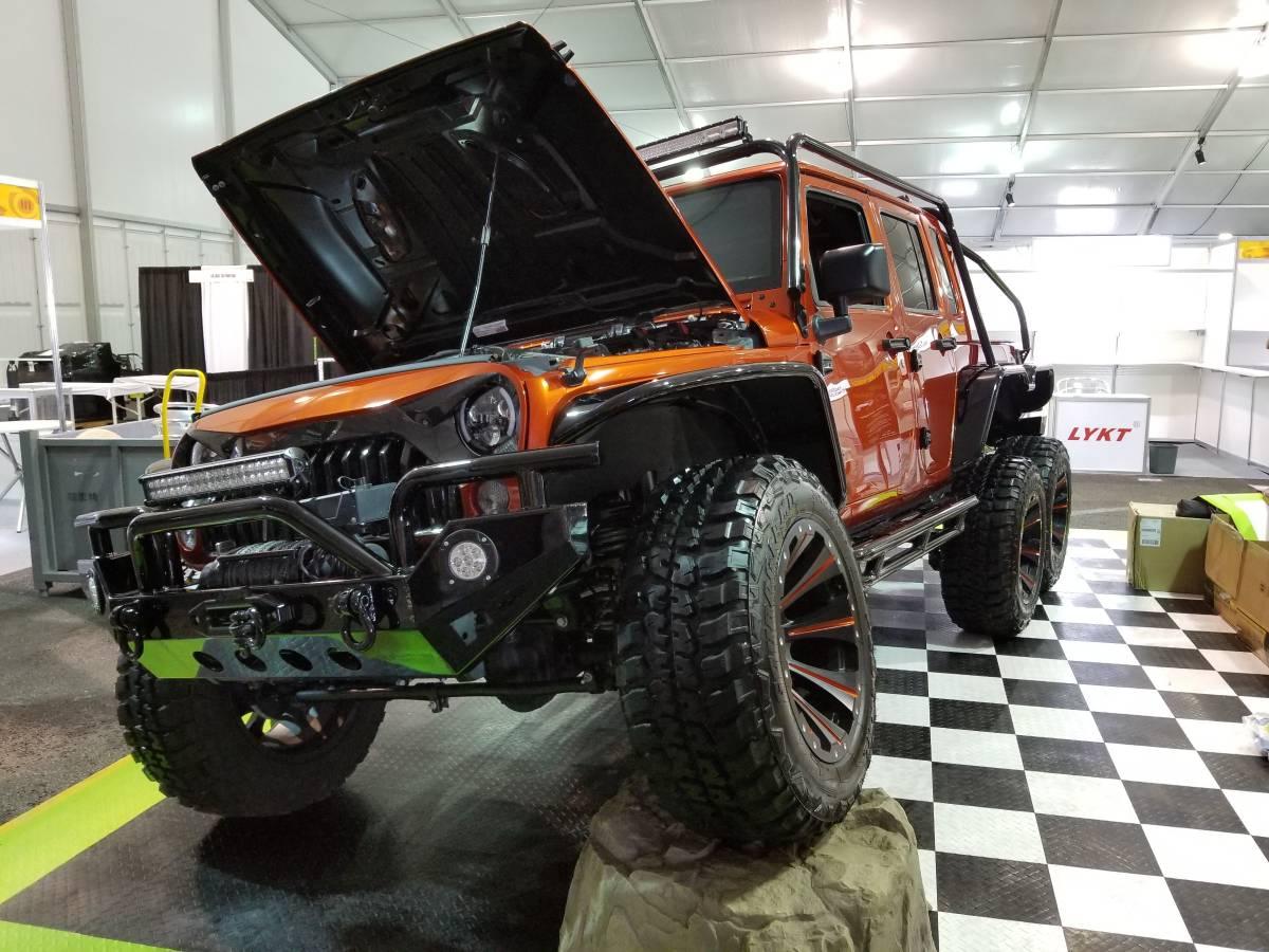Jeep Wrangler Rubicon 6x6 Hellcat (8)
