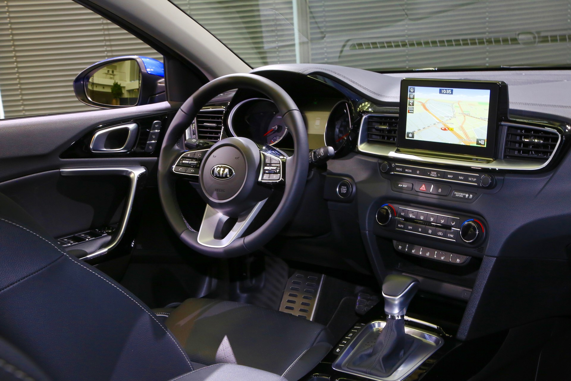 Kia Ceed 2018 (45)