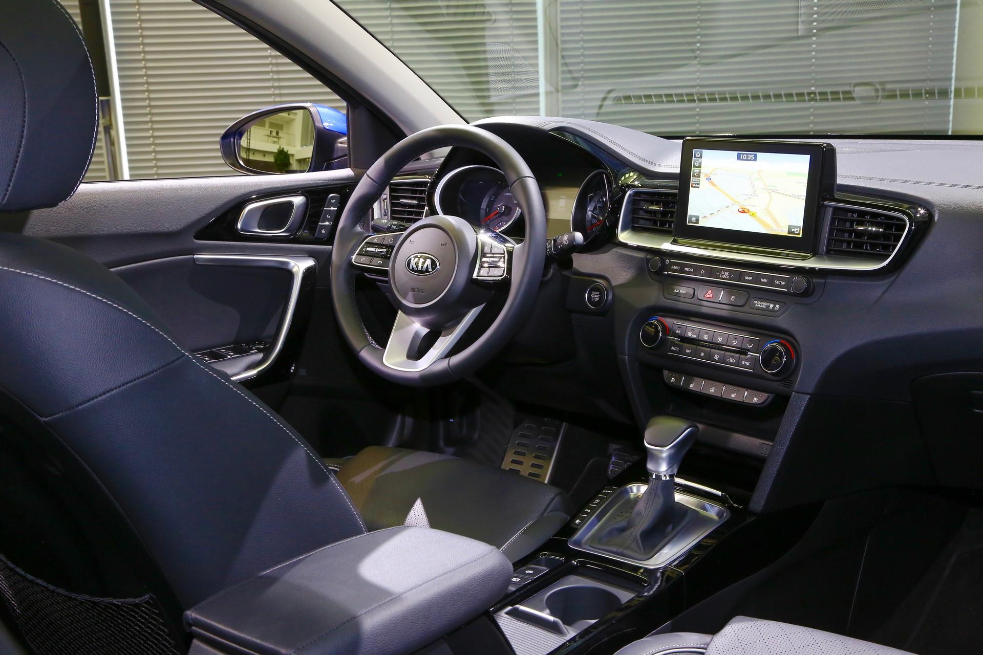 Kia Ceed 2018 (46)