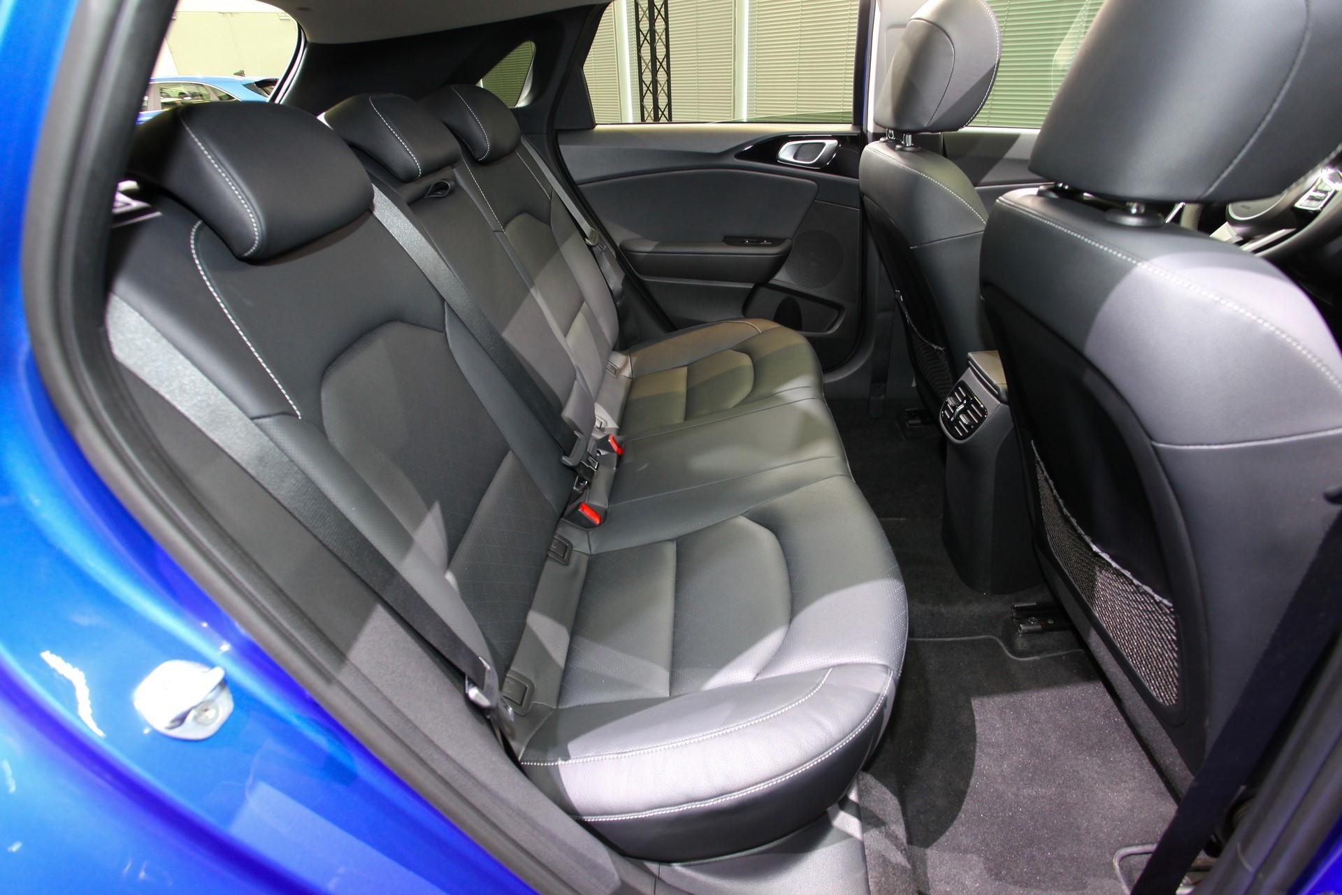 Kia Ceed 2018 (80)