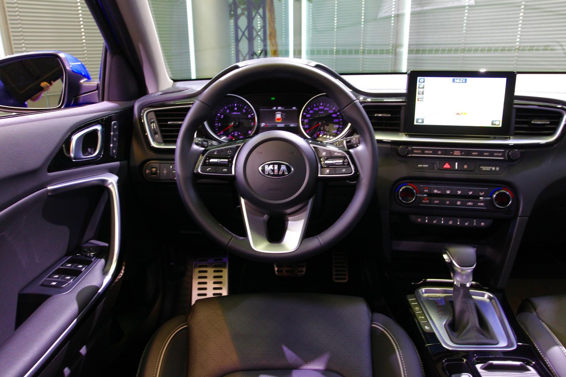 Kia Ceed 2018 (85)