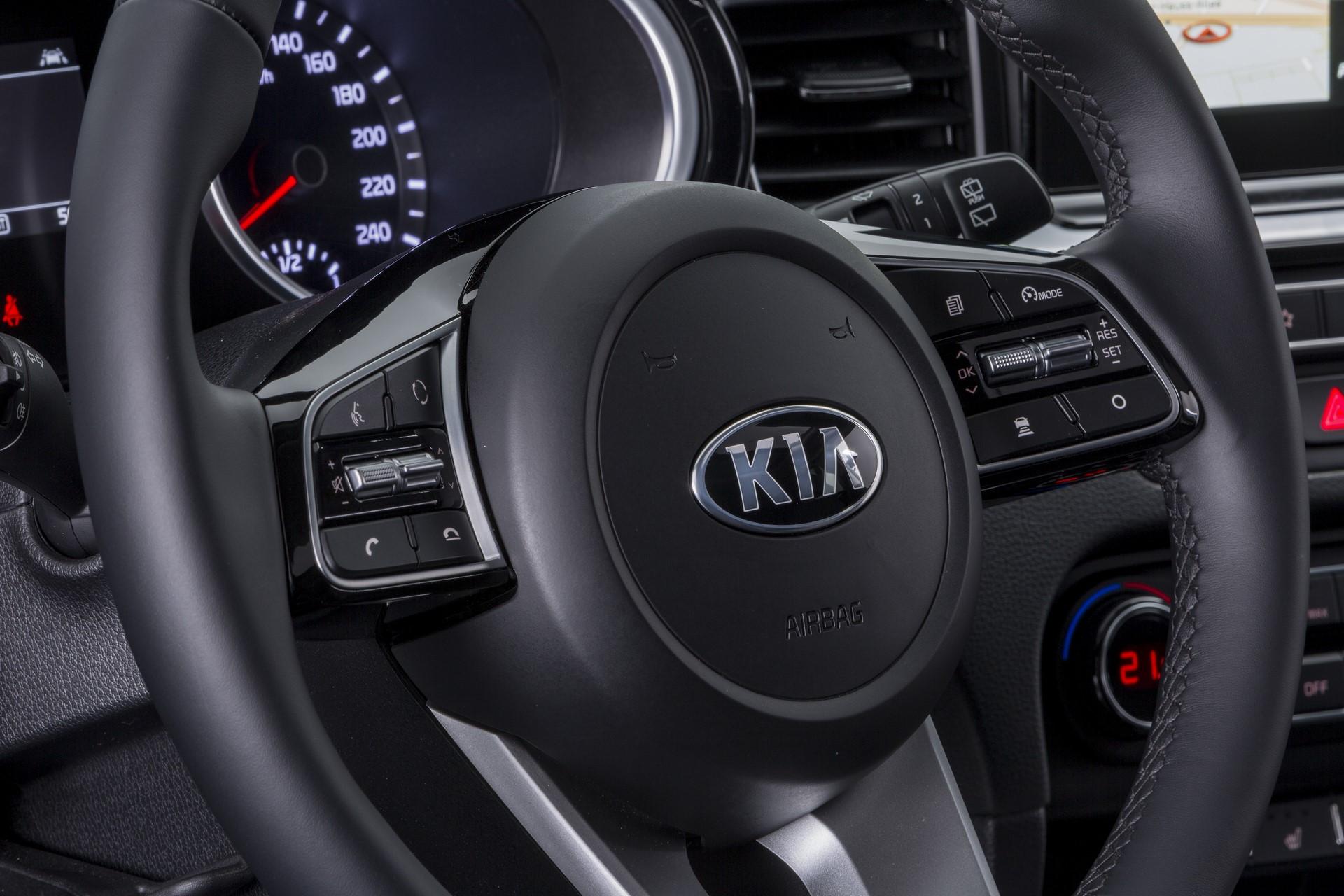 Kia Ceed 2018 (98)
