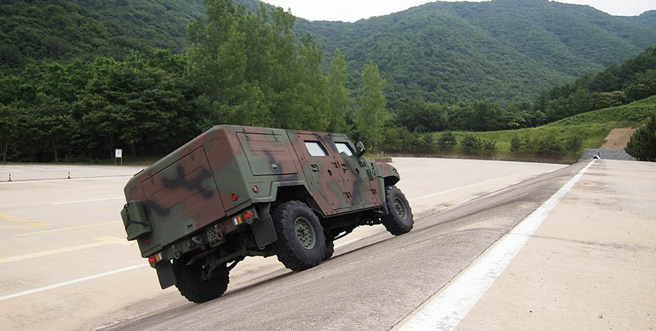 Kia Light Tactical Vehicle (12)