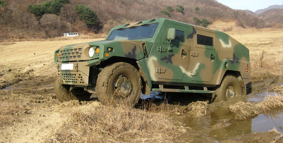 Kia Light Tactical Vehicle (2)
