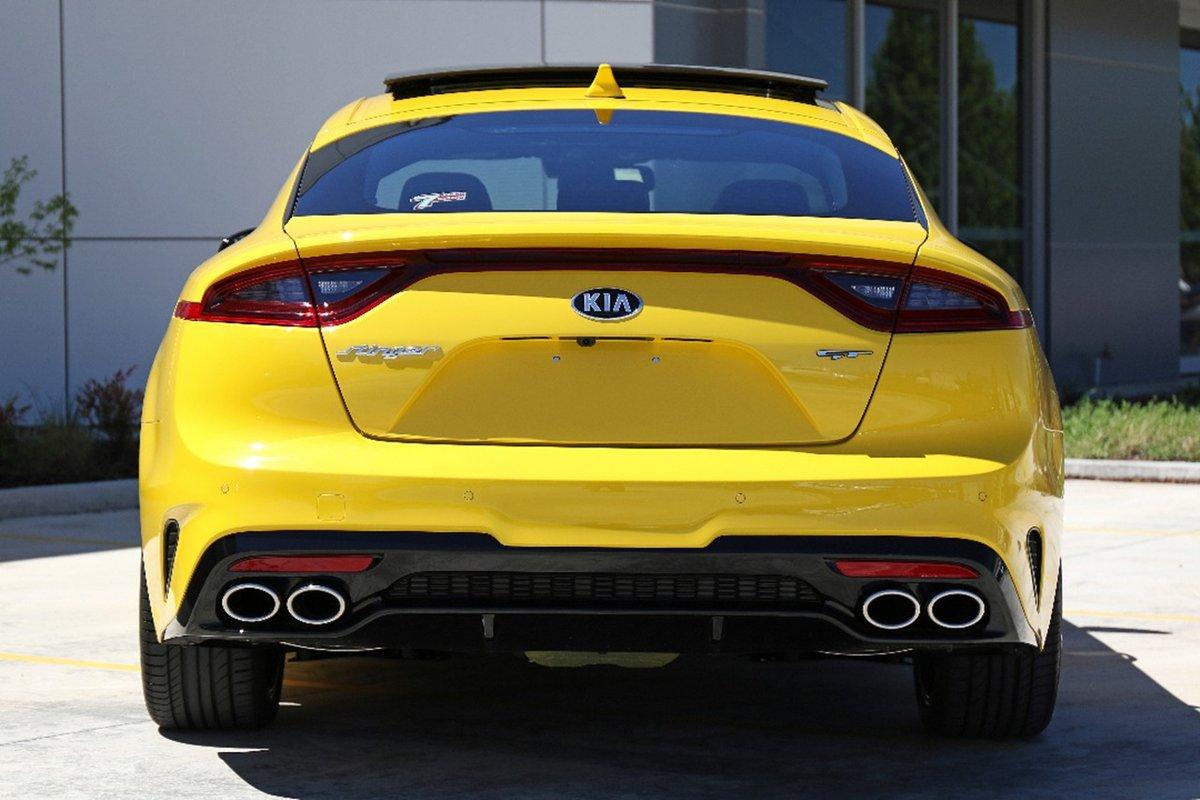 Kia-Stinger-Sunset-Yellow-12