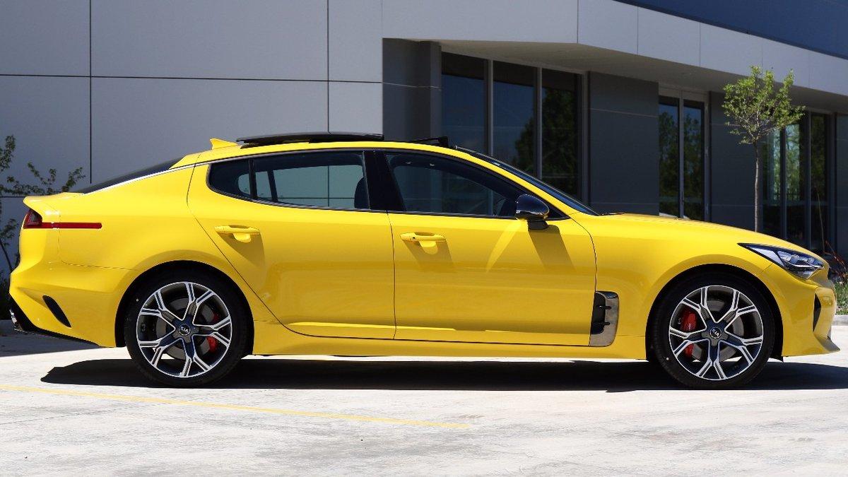 Kia-Stinger-Sunset-Yellow-2