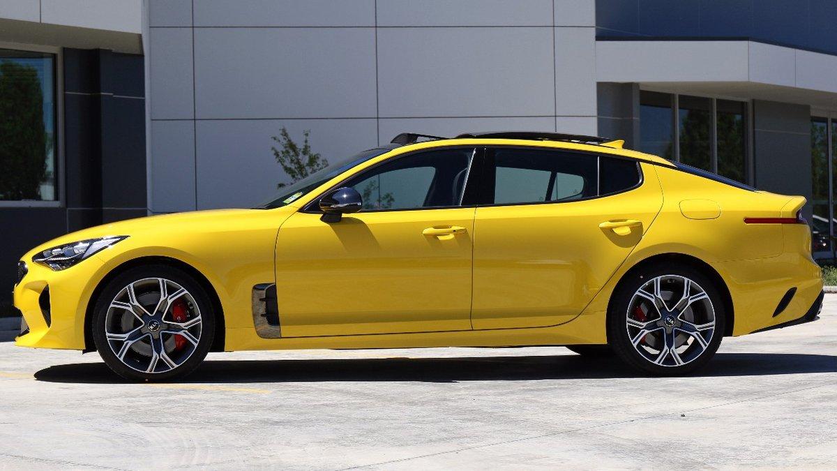 Kia-Stinger-Sunset-Yellow-9