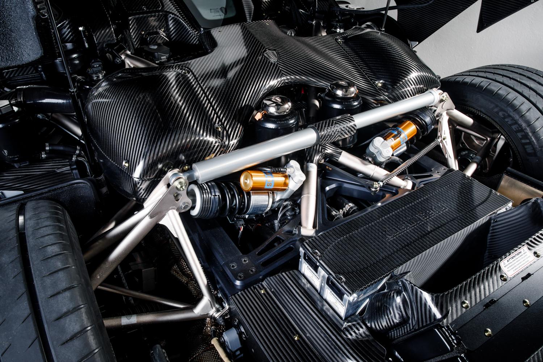 Koenigsegg_Naked_Carbon_Regera_0001