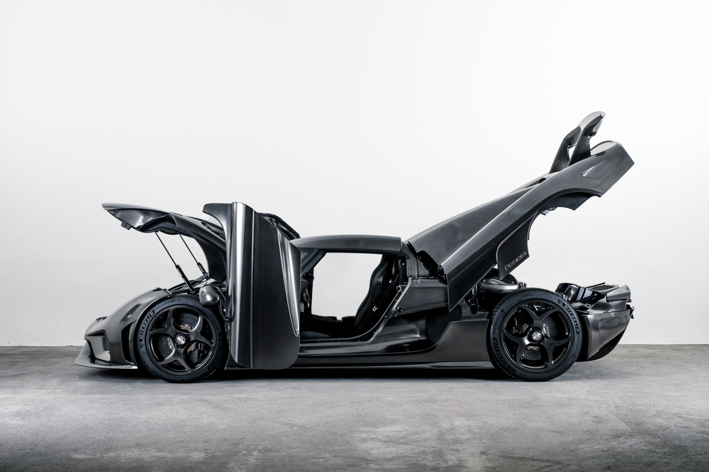 Koenigsegg_Naked_Carbon_Regera_0003