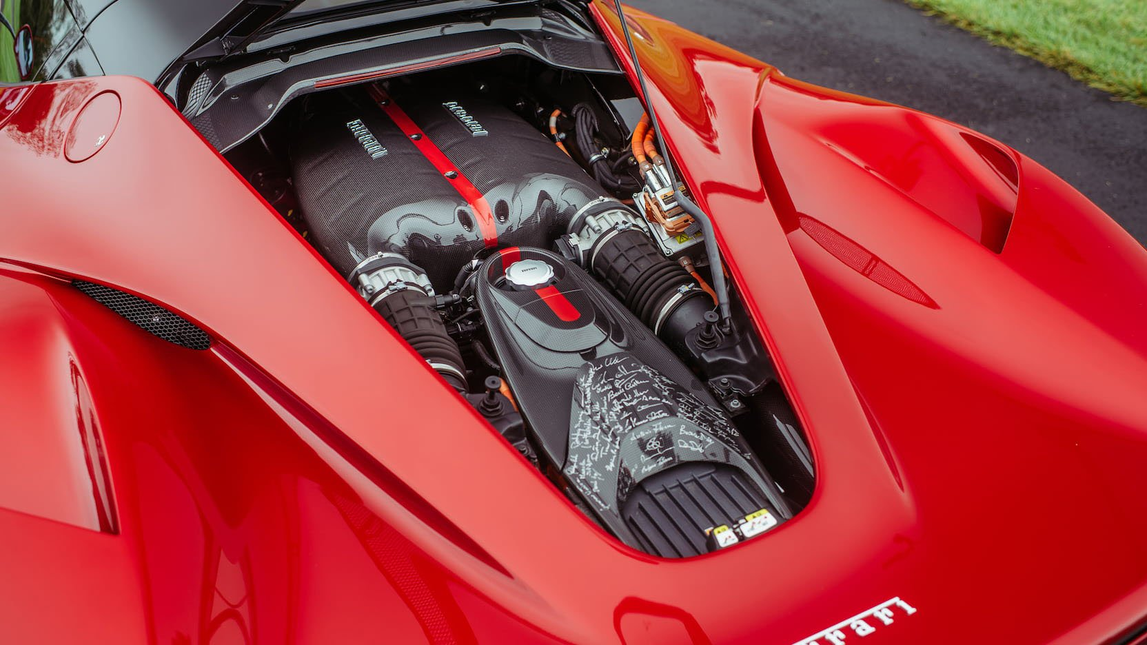 LaFerrari and LaFerrari Aperta in auction (19)