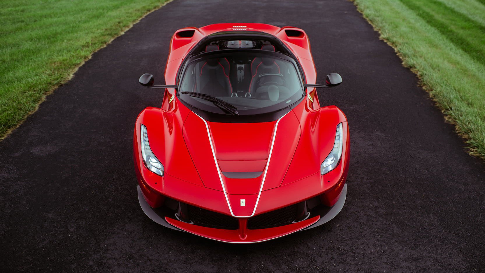 LaFerrari and LaFerrari Aperta in auction (34)