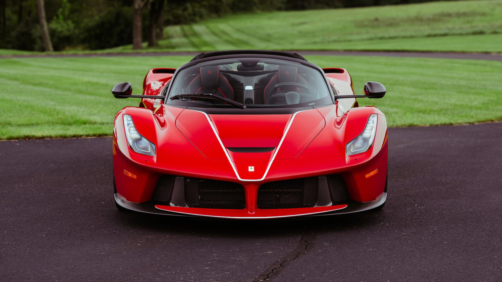 LaFerrari and LaFerrari Aperta in auction (36)