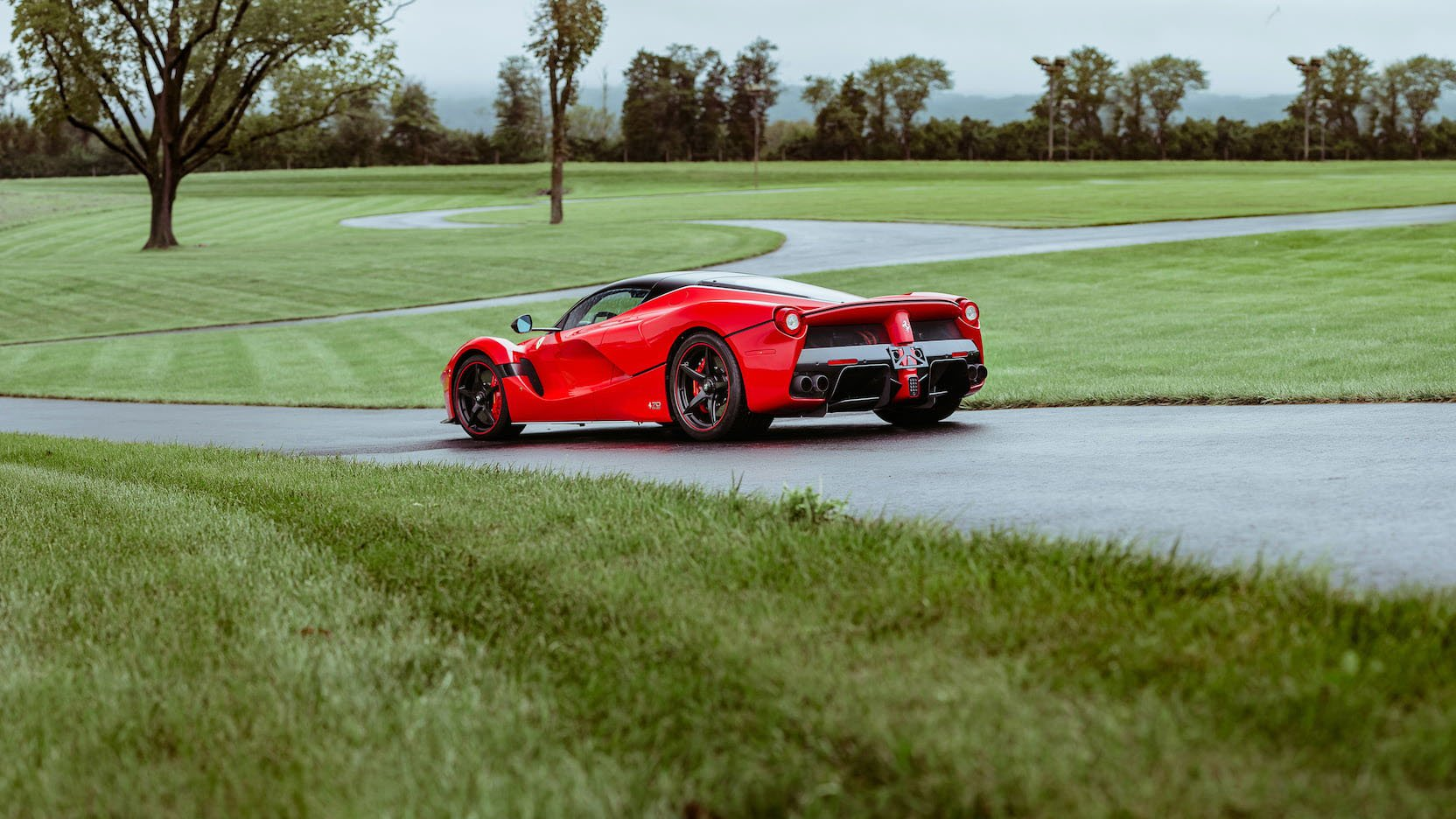 LaFerrari and LaFerrari Aperta in auction (40)